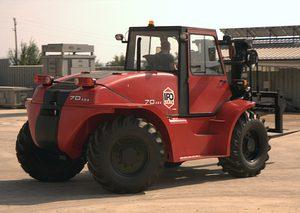 ИПО представя тежкотоварни и високопроходими дизелови мотокари IPO Lifts, произведени в България