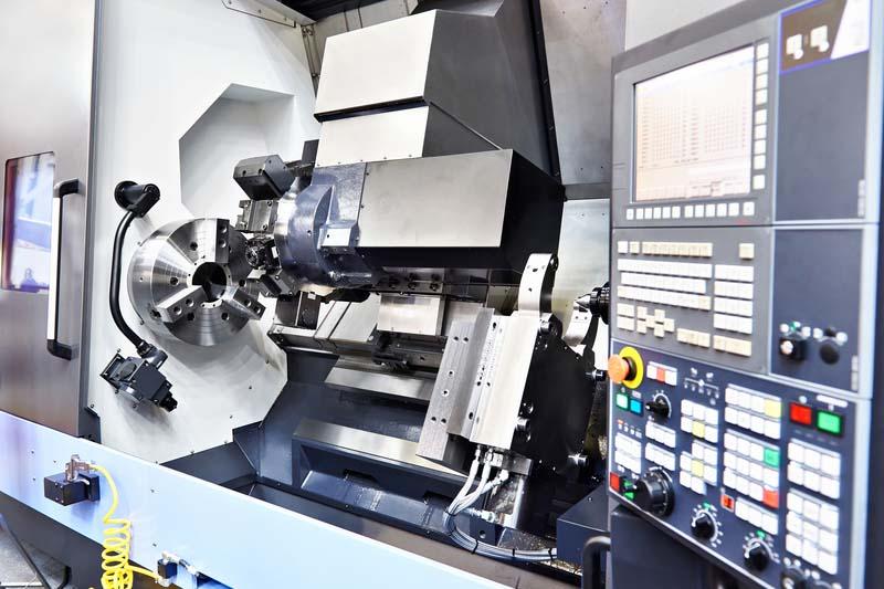 Полски производител на стругове с ЦПУ търси дистрибутори