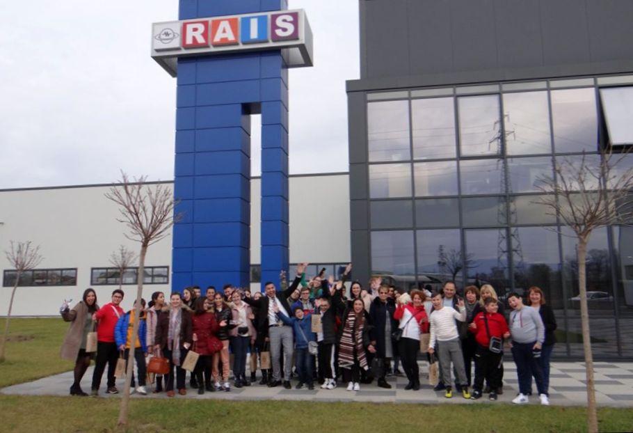 Ученици от пет държави посетиха <strong>РАИС</strong> по европейски проект