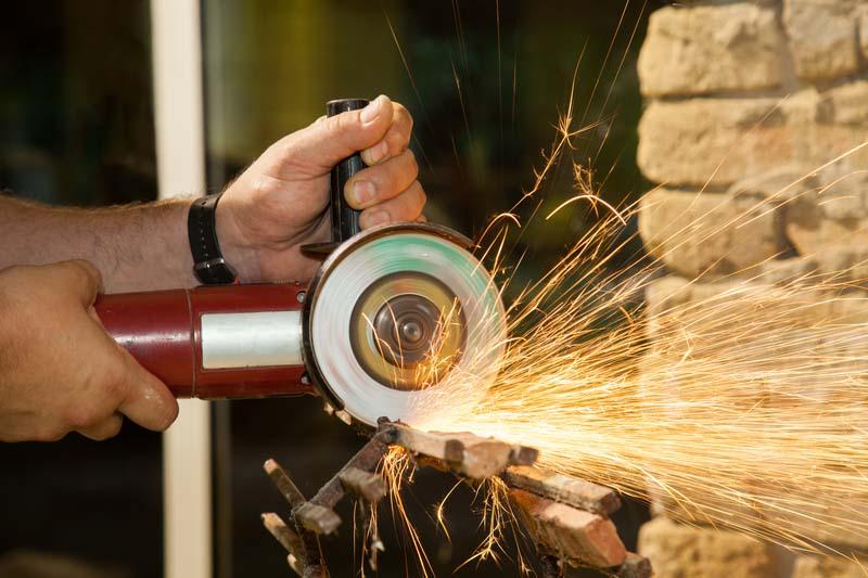 ЕСО търси доставчик на инструменти за механична обработка