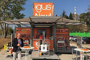 Пътуващият изложбен щанд на Хенлих и igus вече е в България